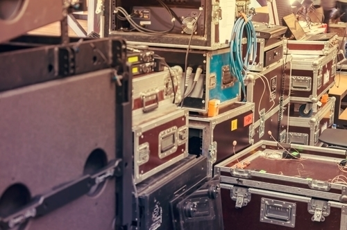 how to transport dj equipment