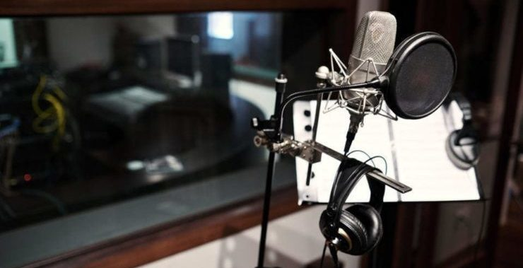 microphone optimized and ready to record in recording studio