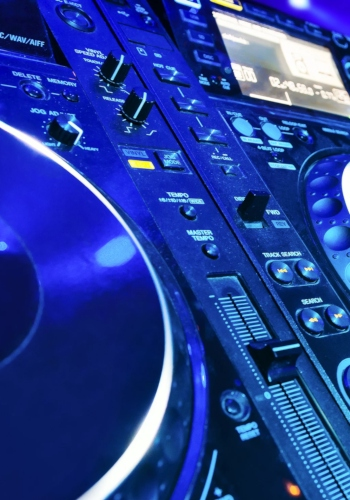 dj-equipment-category-bg