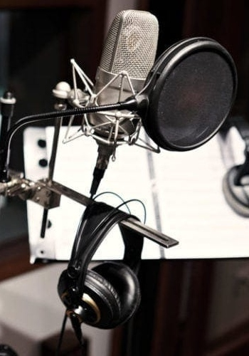 microphones-category-bg