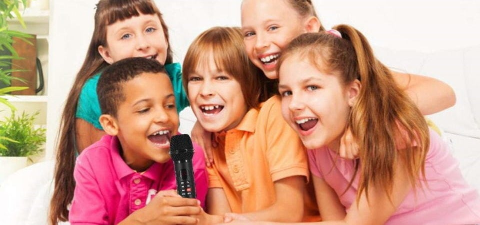 the children are singing in their living room